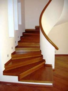 бетонная лестница в облицовке