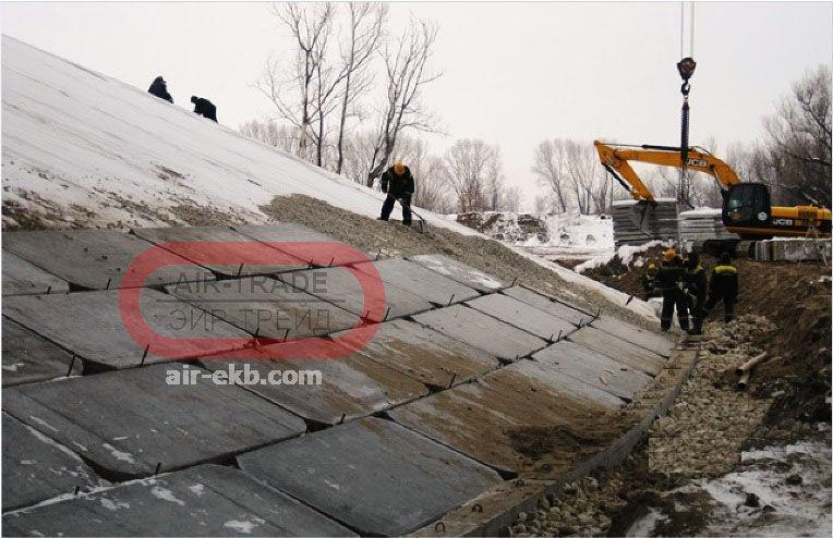 Монтаж плит укрепления откосов